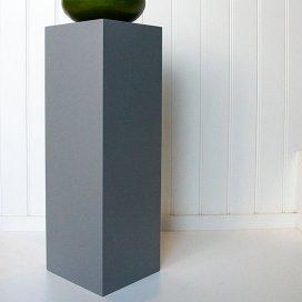 1003 Sokkel grijs
